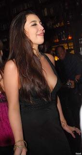 http://1.bp.blogspot.com/_T5PXg2LAEAQ/TRwYaIesWEI/AAAAAAAAG0Q/OkeQP8eJeLs/s1600/manohara-seksi-4.jpg