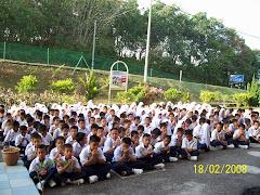 Anak murid SK Parit Melana.