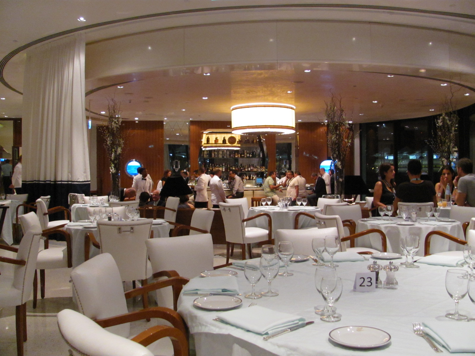 Dubai experiment cipriani and allure by cipriani abu for Ristorante cipriani abu dhabi