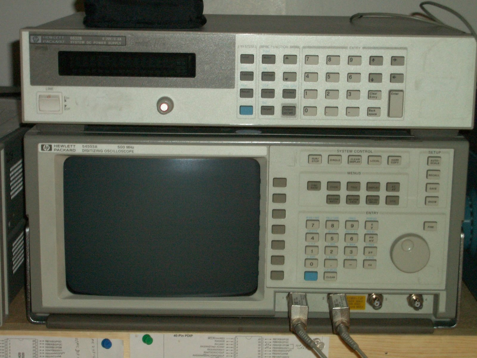 Hp Digital Oscilloscope : Playing with bits my electronics bench and test equipment