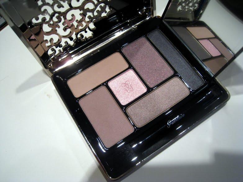 http://1.bp.blogspot.com/_T8jmzzBIK-Y/TFMXzjd9y3I/AAAAAAAAIjY/maSk7qihd6k/s1600/guerlain++eye+shadow+palette+93+rue+de+passy+fall+2010+a.jpg