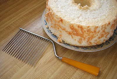 Angel Food Cake Knife Cutter