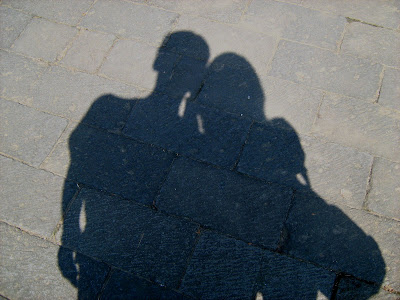 http://1.bp.blogspot.com/_TByrEPy5vk0/SeQHnxSzOVI/AAAAAAAAAow/LIL-naUeriw/s400/Bayangan.jpg