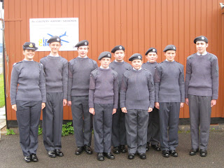 The members of RTF 09/3 who were enrolled on 11 October, with their Flight Commander, Off Cdt Robinson.
