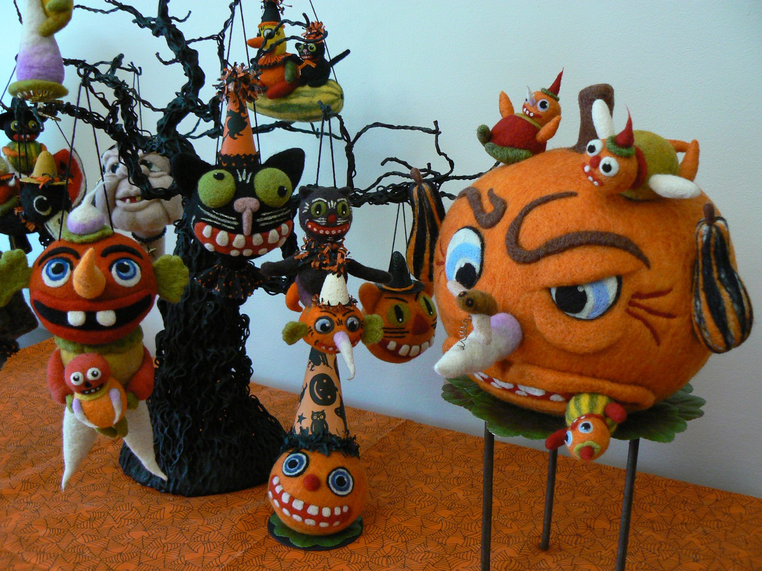 Holiday Folk Art By: Debbie Hawkins: Needle Felted Halloween Ornaments