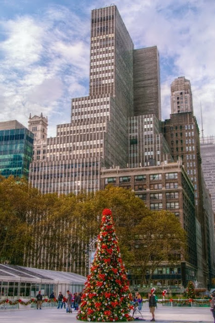 Walk In New York - Christmas at The Bryant Park
