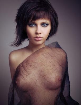 Pati (nude photos): www.patimodel.blogspot.com