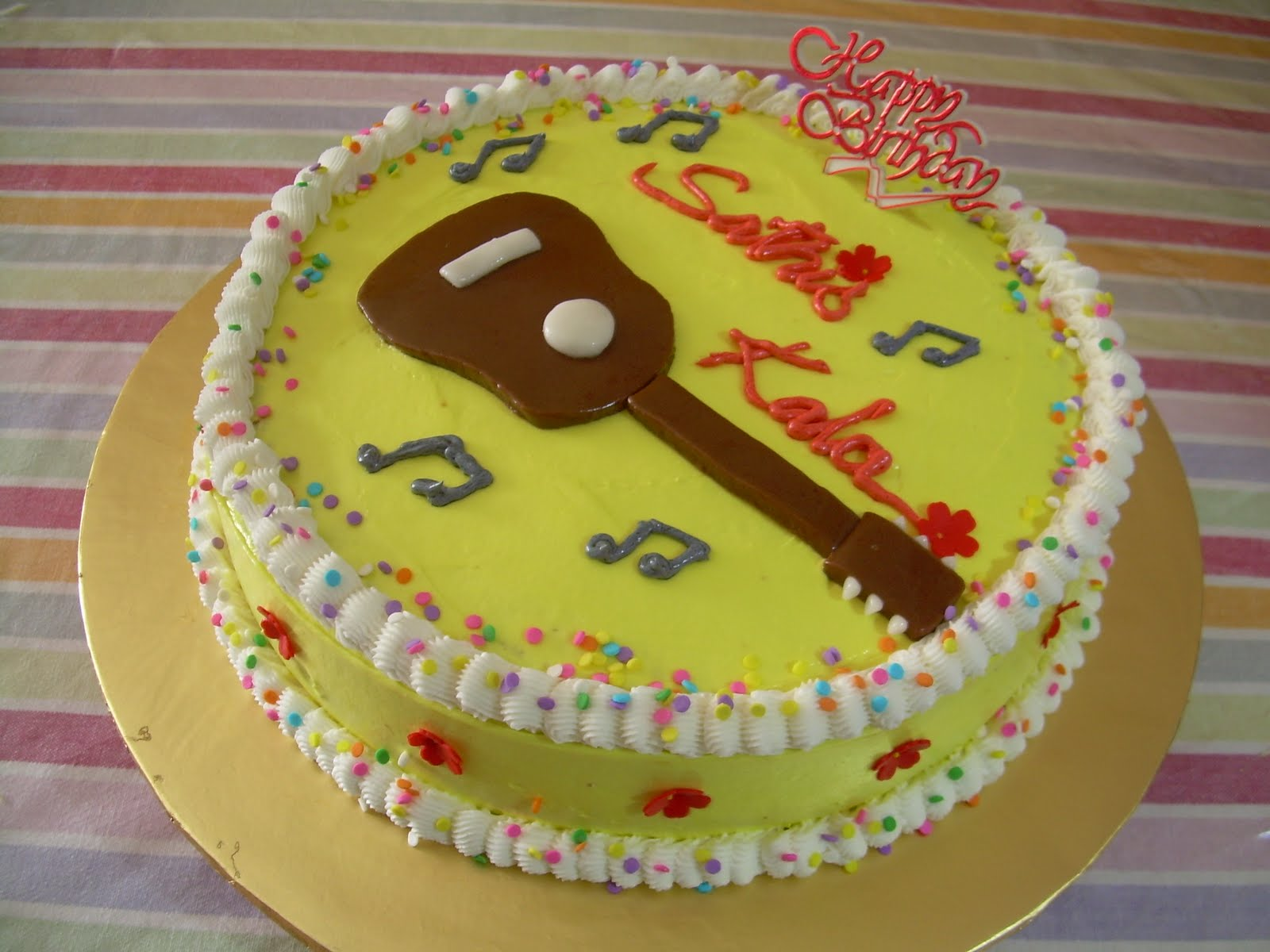 Sweet Luscious Cakes Acoustic Guitar On A Birthday Cake