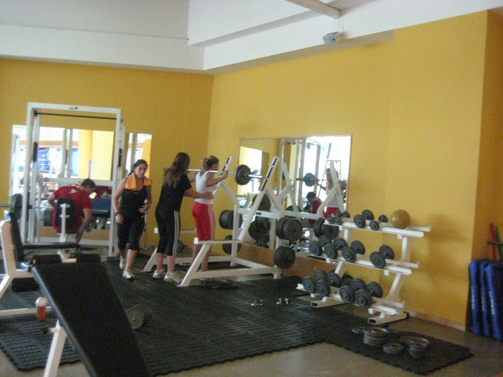 vida sana cuerpo sano mujeres en el gimnasio pacific