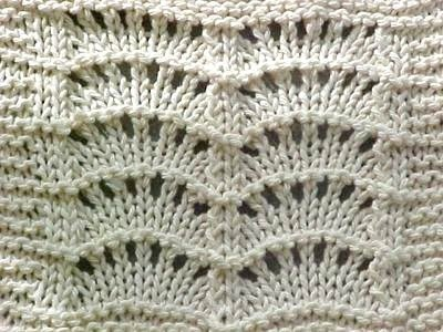 Knit and Crochet Tennessee: Scallops Dishcloth