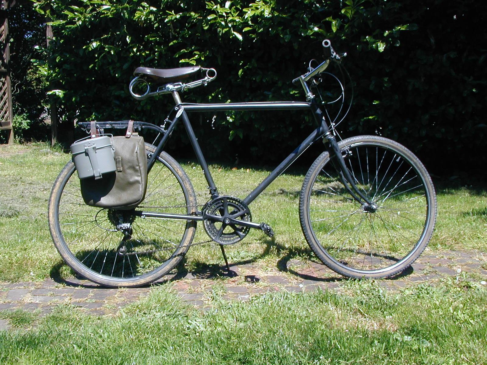 four bees retro fahrrad for sale. Black Bedroom Furniture Sets. Home Design Ideas