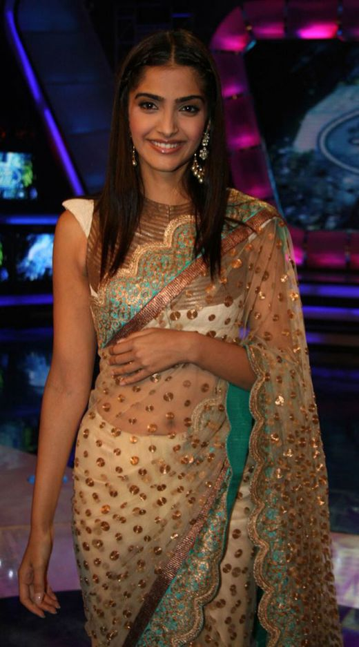 Sonam Kapoor Hot Wallpapers In Saree. Tags: Sonam Kapoor hot navel