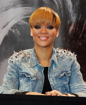 rihanna short hair styles 2010. Rihanna Short Hairstyles for