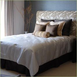 musings by nay how to make screw up an upholstered headboard. Black Bedroom Furniture Sets. Home Design Ideas