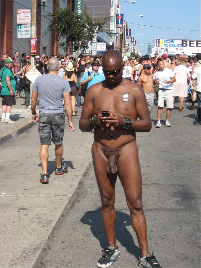 Dc nudist black