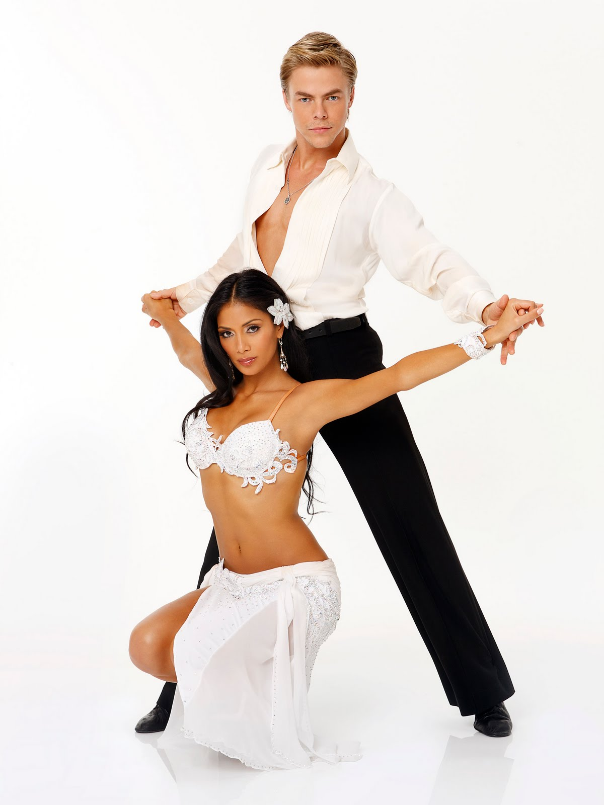 http://1.bp.blogspot.com/_TOYF0YCu5BA/S_0vApkf4PI/AAAAAAAAAgc/pq_FcCu8m-Q/s1600/Nicole-Scherzinger-Derek-Hough-Dancing-With-the-Stars.jpg