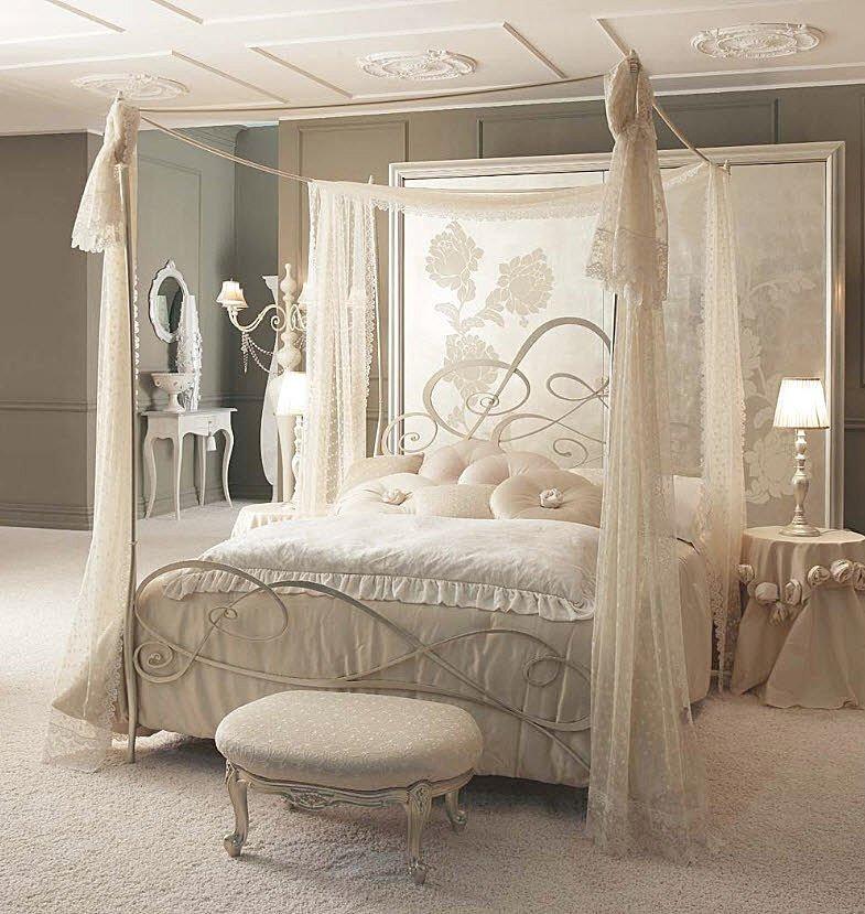 Decoracion De Habitaciones De Matrimonio Romanticas ~ mesa de noche muy elegante del mismo color con aplicaciones de rosas y
