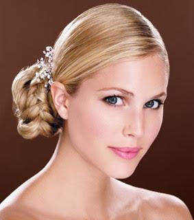blonde hochzeitsfrisuren