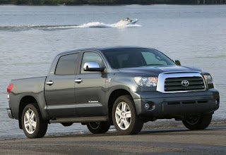 Mobil Toyota Tundra