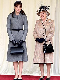 Carla Bruni and the Queen. Photo Credit: Daily Mail. All Rights Reserved.
