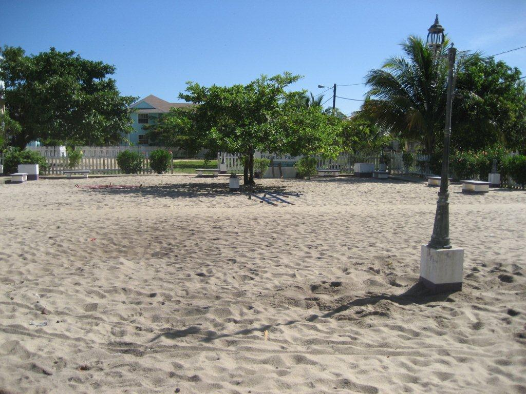 Playgrounds: Placencia November 5-12, 2010 - Calmar ...