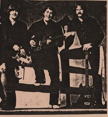 http://1.bp.blogspot.com/_TT-rC9PXgV0/SznKfjdbBLI/AAAAAAAAALo/PSK80HzeK4Y/s400/Smokin+Willie+1972.jpg