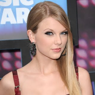 Taylor Swift Song on Swift Mean Mp3s For   0 15 Track Here Watch Taylor Swift Mean Music
