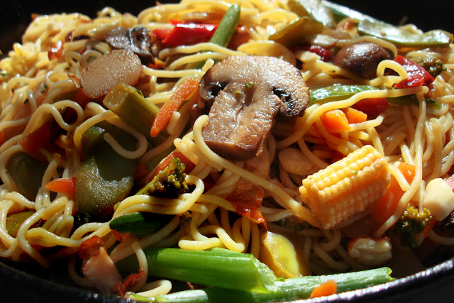 Vegetarian Yogini: Corn Noodles Anyone? - And What a Glorious Stir-Fry ...