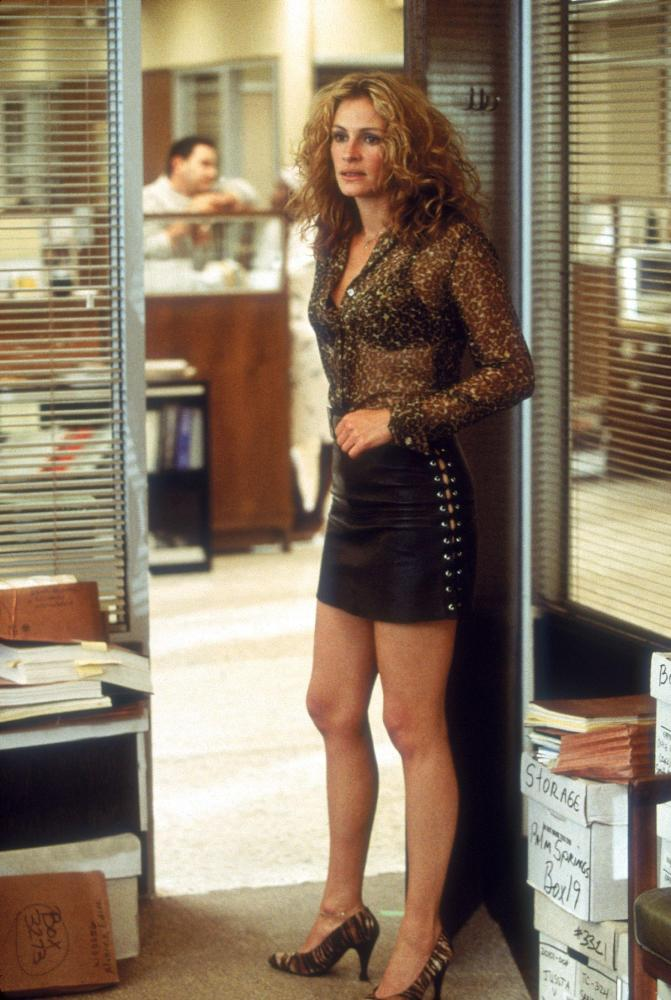 Julia Roberts in Erin Brockovich, written by 1992 Nicholl fellow Susannah
