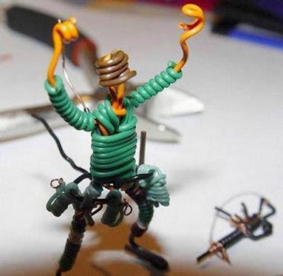 மின் வயரினால் செய்யப்பட்ட அழகான மனிதர்கள் துப்பாக்கிகள் 47136,xcitefun-wire-soldiers-4