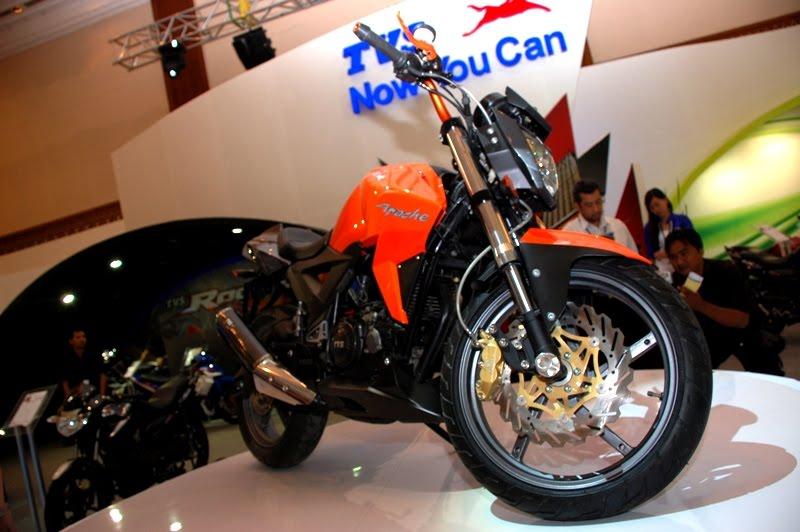 TVS Apache Velocity 160 cc StreetFighter