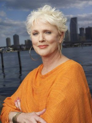 Burn Notice, Sharon Gless