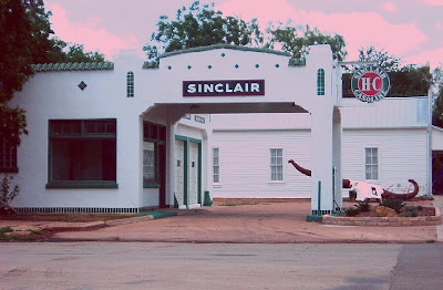 Sinclair station in Albany, Texas