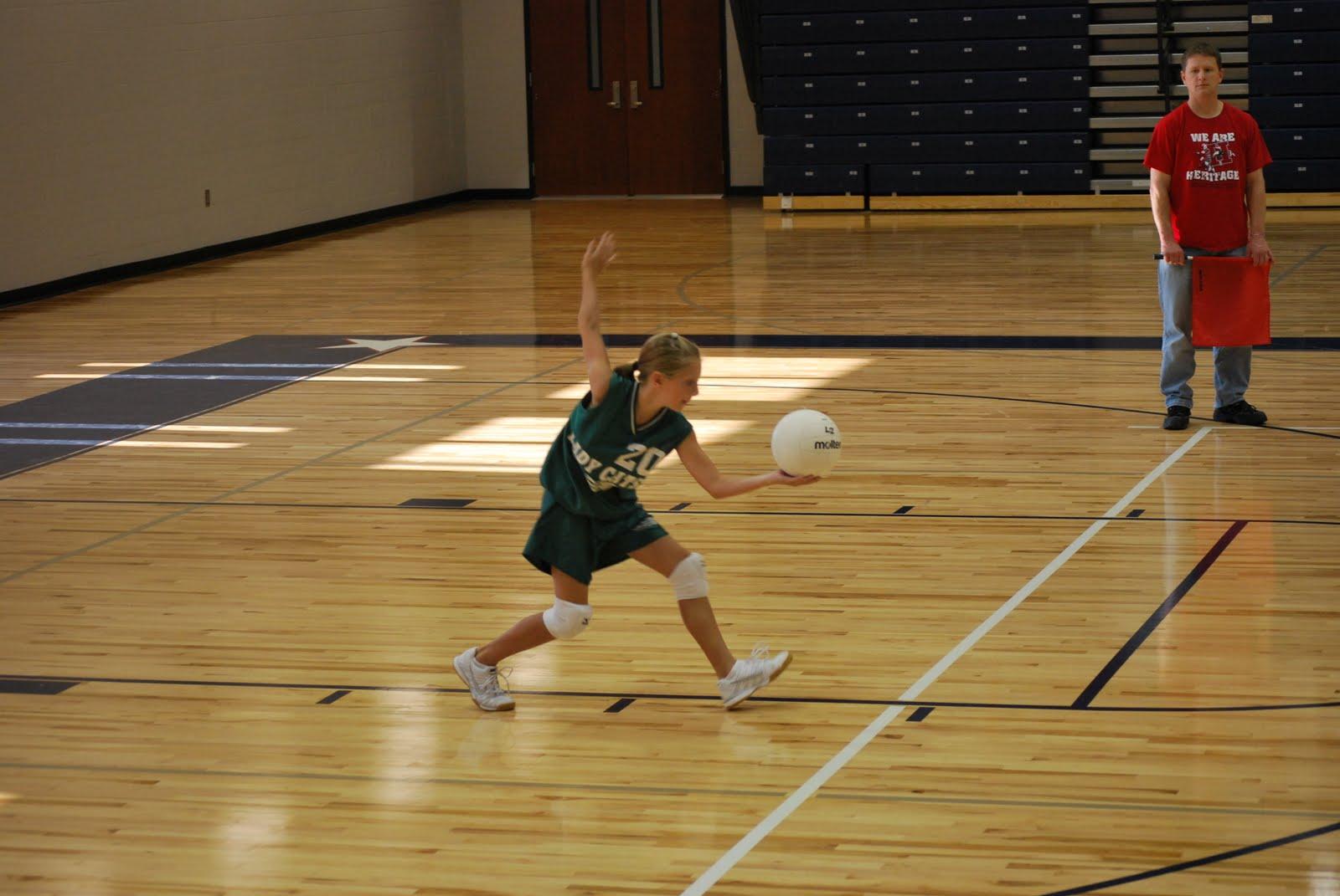 Volleyball underarm serve