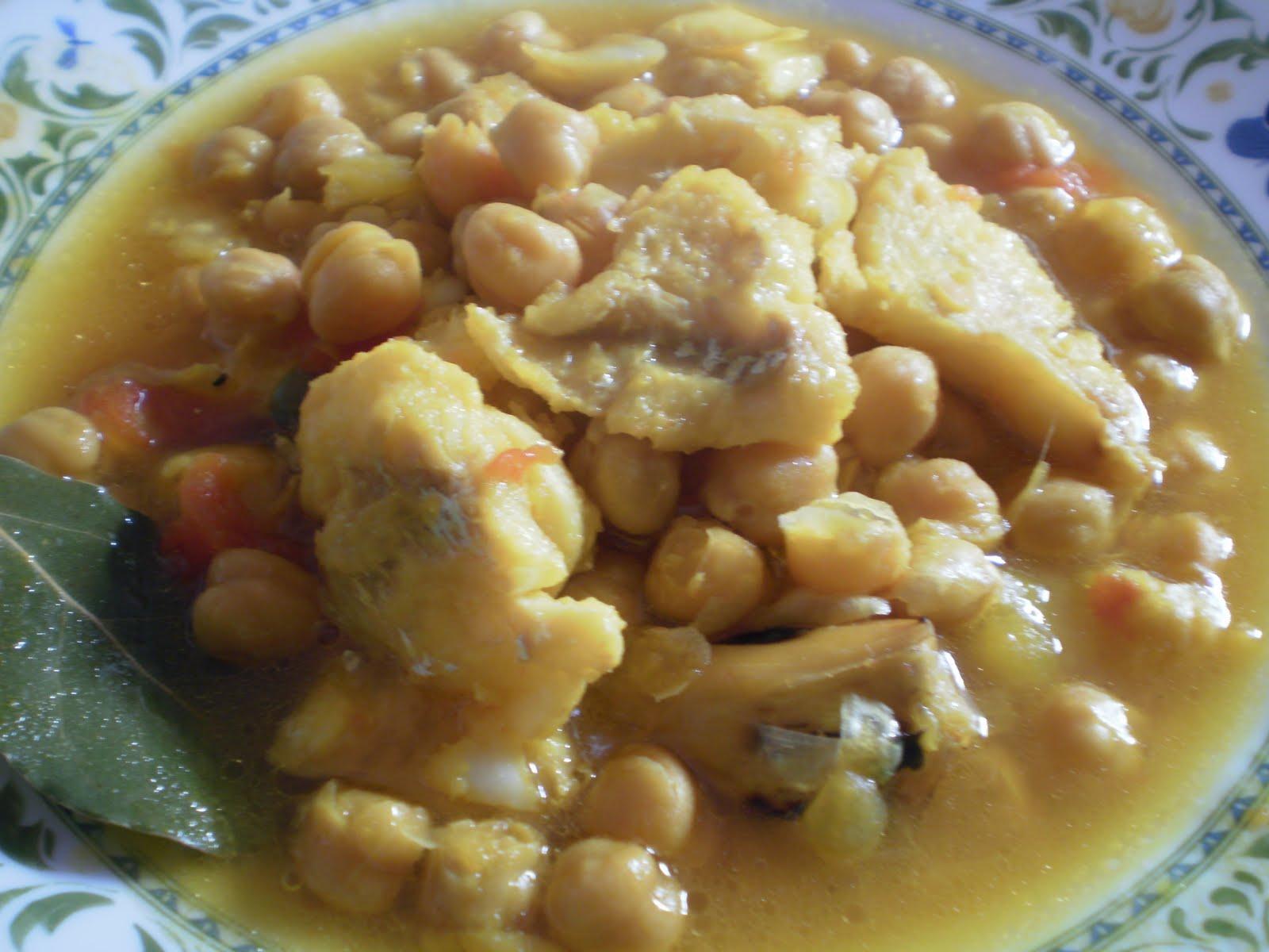 Spanish food page 2 - Potaje de garbanzos con bacalao ...