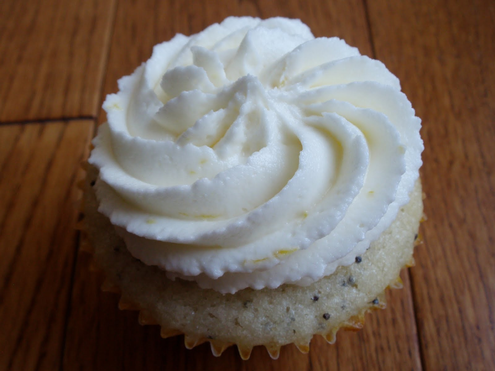 Naked Cupcakes: Lemon Buttercream Icing