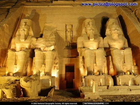 http://1.bp.blogspot.com/_TahXQ2WiF0s/SJ58yjGaAUI/AAAAAAAACDg/v__5cmk6D1g/s400/Inside+The+Pyramid+05.jpg