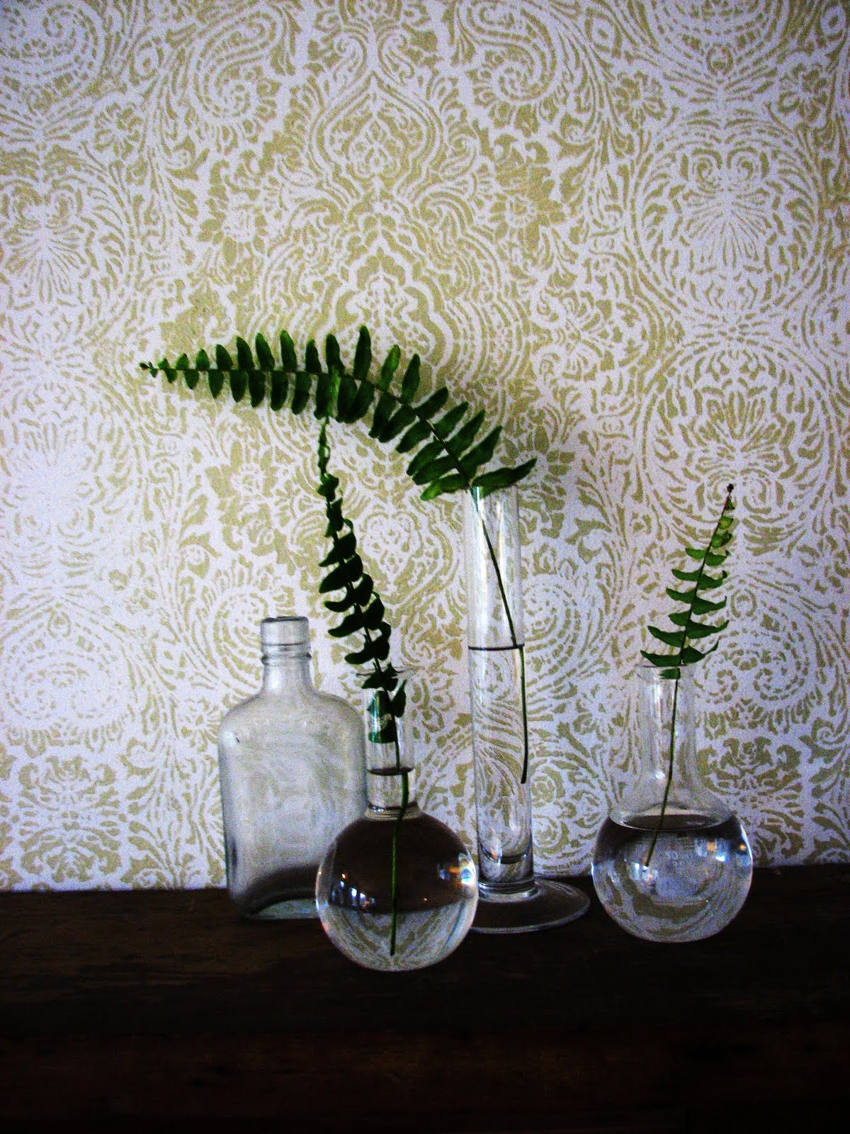 Wallpaper Stencil LOVE