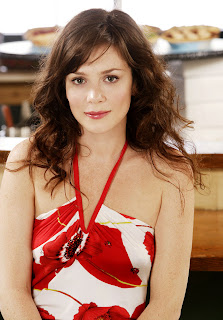Hollywood Actress Anna Friel Cute Photo
