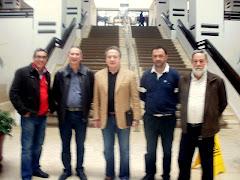 Representates de la Plataforma Vecinal y de la Banda Municipal de Musica , junto Pedro Pacheco