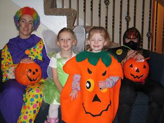 Mommy, Mandi, Kimmie, Brennan - Halloween 2007
