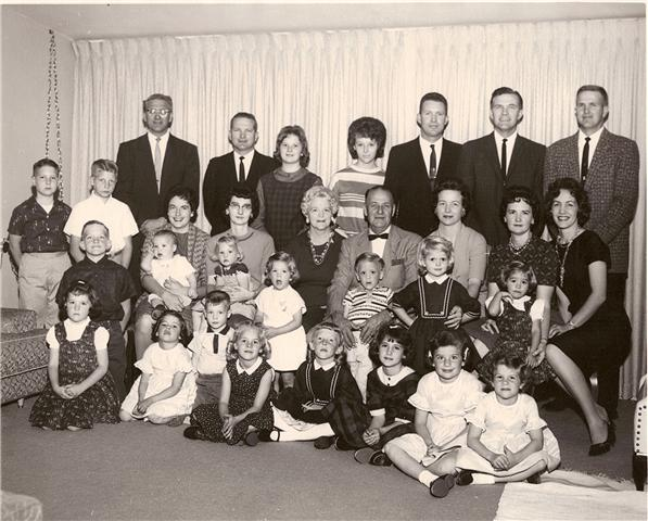 Lavar & Thora Munson Family
