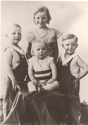 Coleen, Floyd, Hubert & Austin Munson