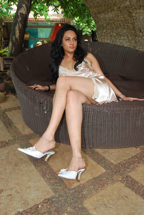 shika puri spicy crossed legs thunder hot photoshoot