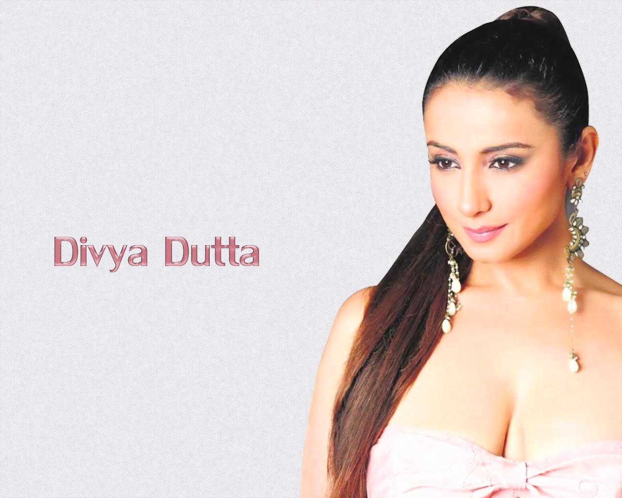 http://1.bp.blogspot.com/_TiCO8op_NpI/TEDJtJS24uI/AAAAAAAAQm4/iZVLYqqLU8M/s1600/Divya+Dutta.jpg+%283%29.jpg