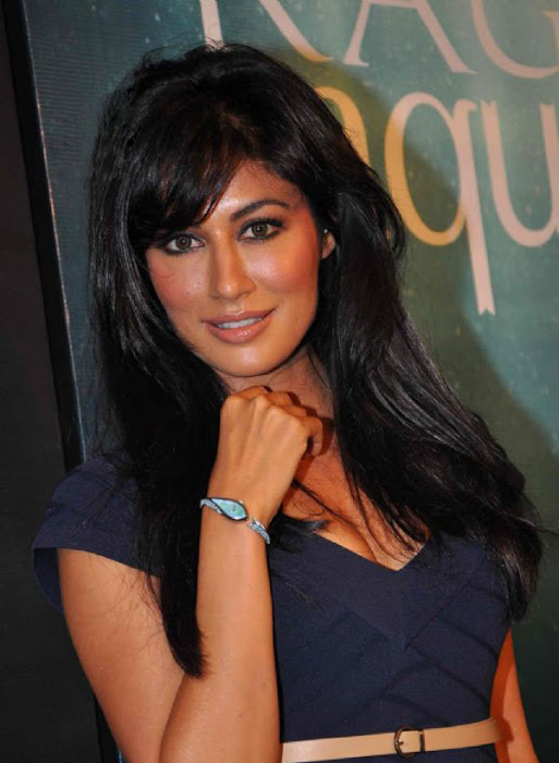 chitrangada singh wowes at raga aqua launching hot photoshoot