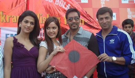 , Shraddha Das, Shazahn Padamsee at Kite Flying event