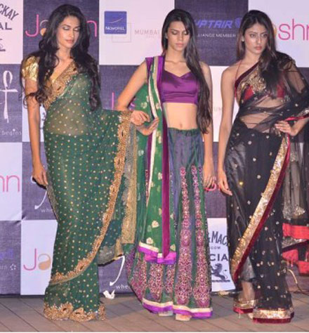 Desi Indian Models Walk in Sexy Sarees on Ramp