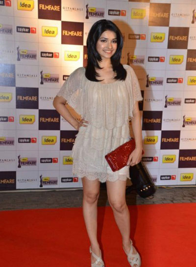 Hot Prache Desai at Filmfare Nominations Bash