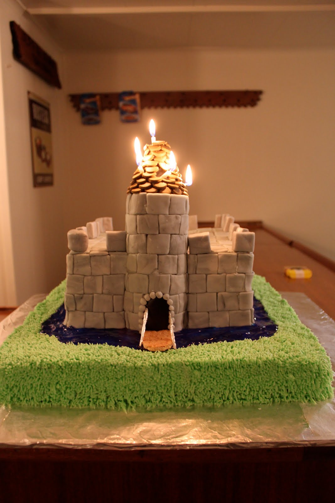 Creative Catharsis How To Robin Hood Birthday Cake
